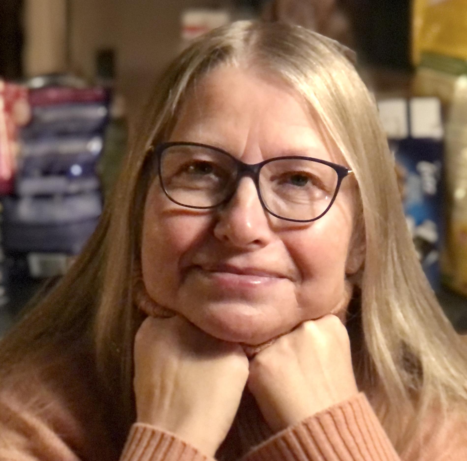 Portrett av forfatter og fotograf Anne-Kristin Strøm